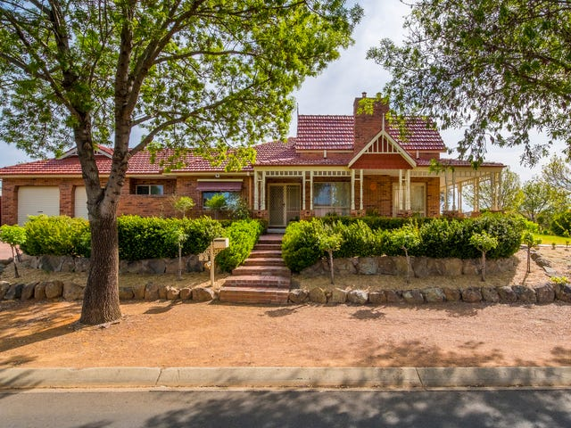 2 Cann Close, Palmerston, ACT 2913