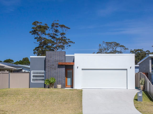 6 Griffiths Run, Broulee, NSW 2537