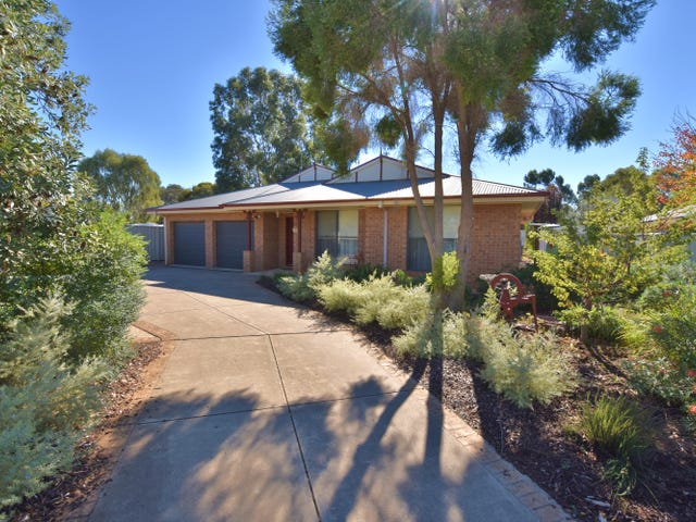 13 Kingfisher Drive West, Moama, NSW 2731