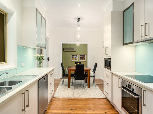 12 Ayres Crescent, Georges Hall, NSW 2198