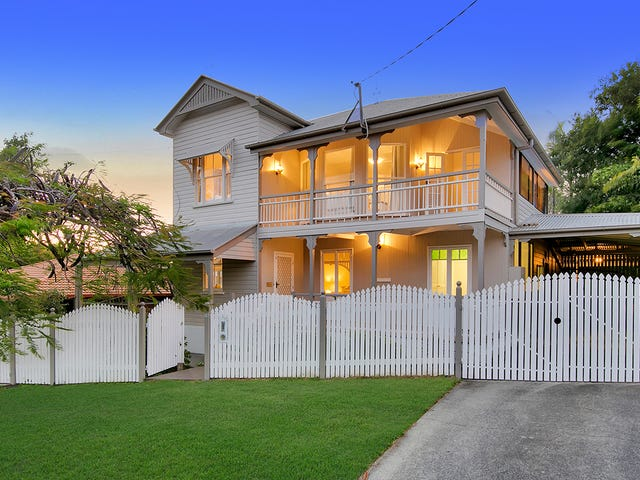 15 Palm Avenue, Sandgate, Qld 4017