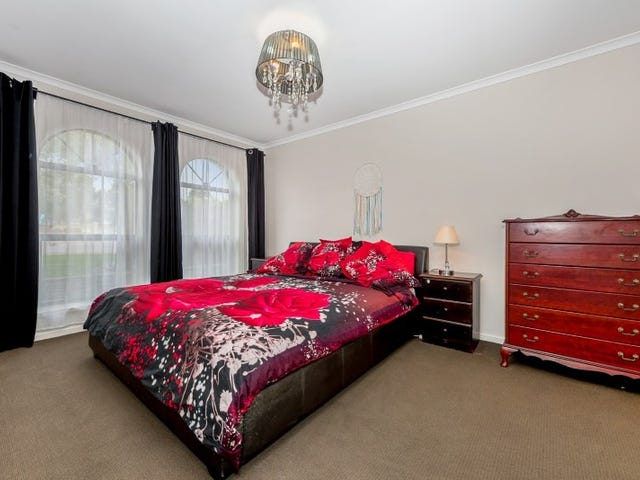 10 Queens Court, Blakeview, SA 5114