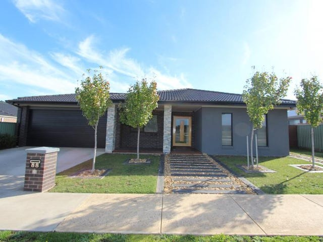 88 Waterford Drive, Miners Rest, Vic 3352