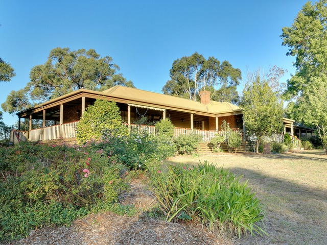 6 Coopers Road, Macclesfield, Vic 3782