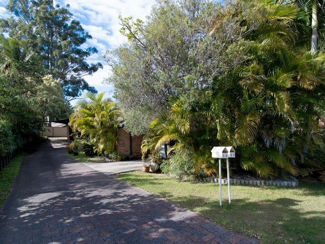 2/4 Morinda Way, Labrador, Qld 4215