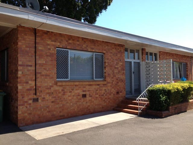 4/122a Russell  Street, Toowoomba City, Qld 4350