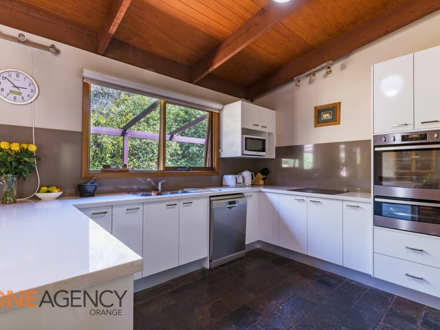 8 Don Peters Place, Orange, NSW 2800