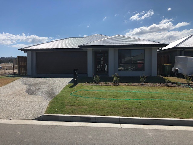 40  Flamtree cct, Arundel, Qld 4214