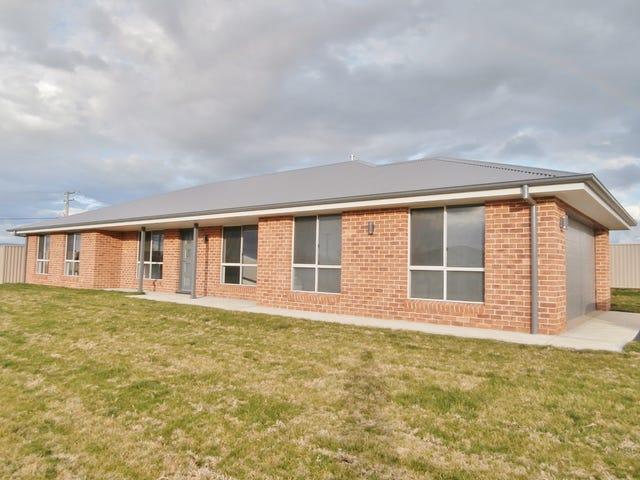 17 Cooper Crescent, Gormans Hill, NSW 2795