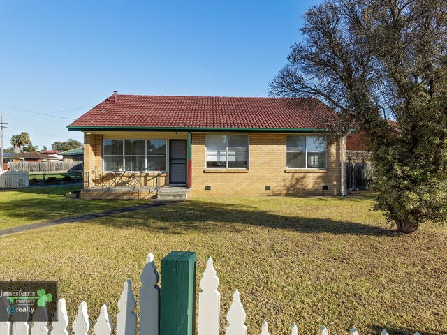 35 Lucas Street, Newcomb, Vic 3219