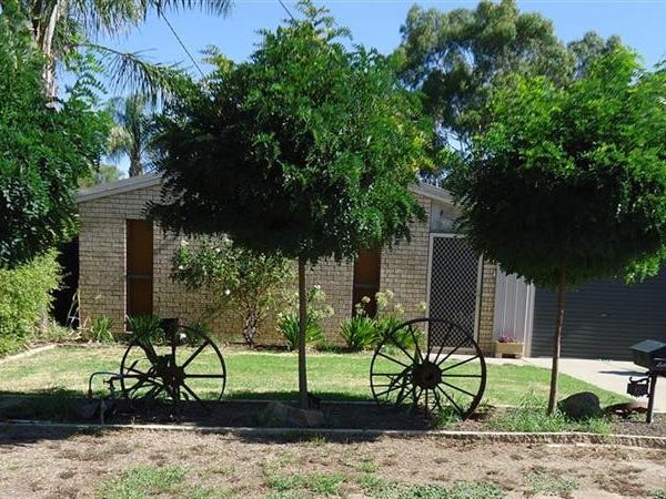 6 Hume St, Lake Albert, NSW 2650