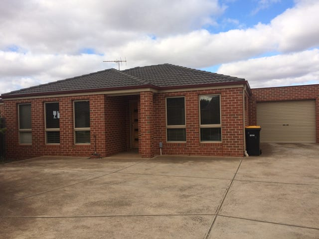 2/5 Coventry Place, Melton South, Vic 3338