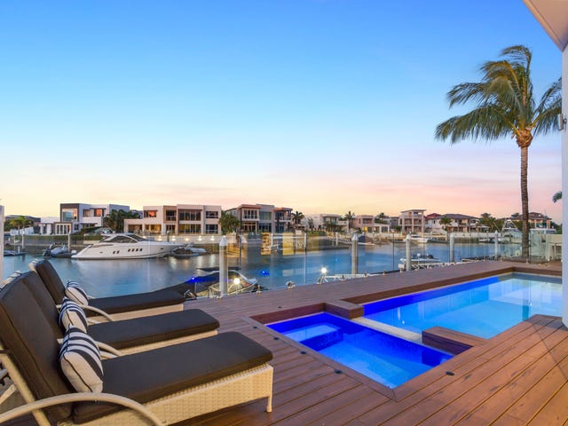 10 King Charles Drive, Sovereign Islands, Qld 4216