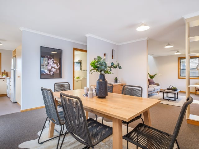 2/17 Grosvenor Street, Sandy Bay, Tas 7005