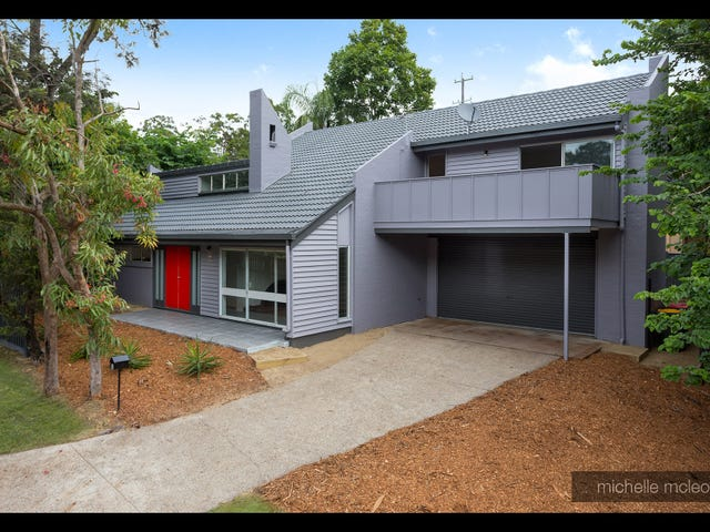 2 Ashburton Street, Chapel Hill, Qld 4069