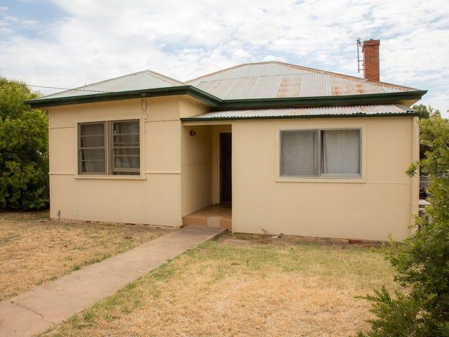 8 Whitby Street, Cowra, NSW 2794