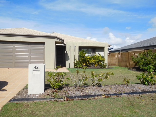 42 Lady Penrhyn Drive, Eli Waters, Qld 4655