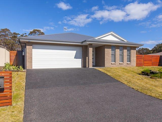 8 Como Avenue, Burrill Lake, NSW 2539