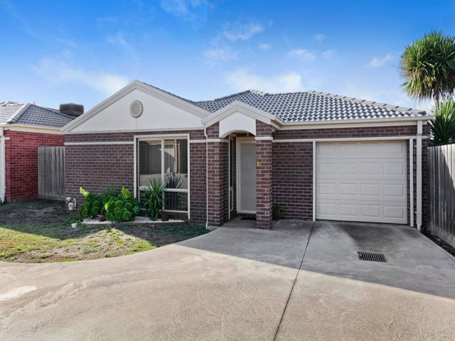 4/8-12 Granholm Grove, Melton West, Vic 3337