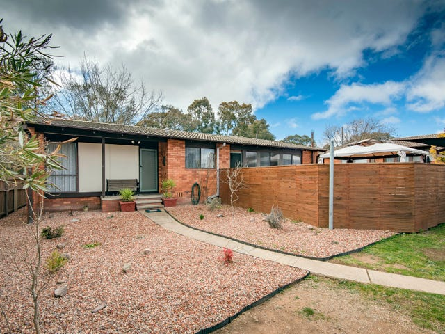 6 Peat Place, Charnwood, ACT 2615