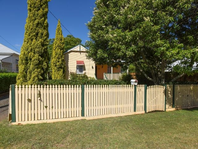 26 Bridge Street, East Toowoomba, Qld 4350