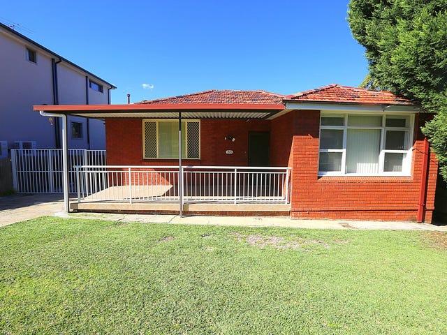 33 Surrey Avenue, Georges Hall, NSW 2198