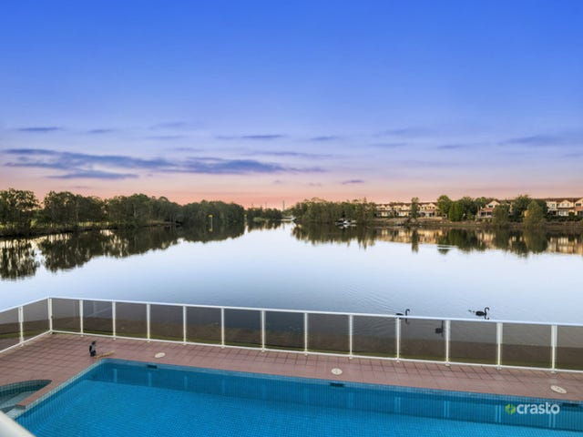30 St Martin Place, Clear Island Waters, Qld 4226