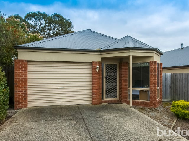2/220 Mt Pleasant Road, Highton, Vic 3216
