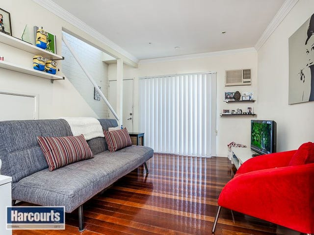1/2 Clarence Street, Kedron, Qld 4031