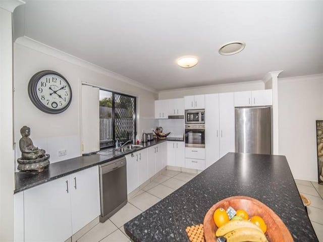 32 Lawley Crescent, Pacific Pines, Qld 4211