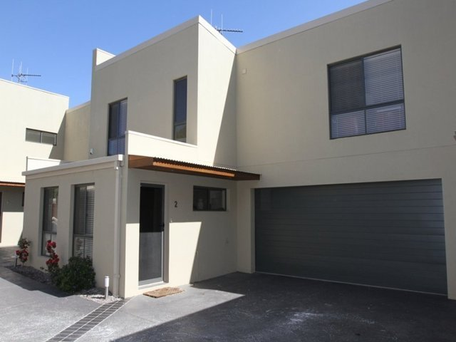 2/13 Gerald Street, Queanbeyan, NSW 2620