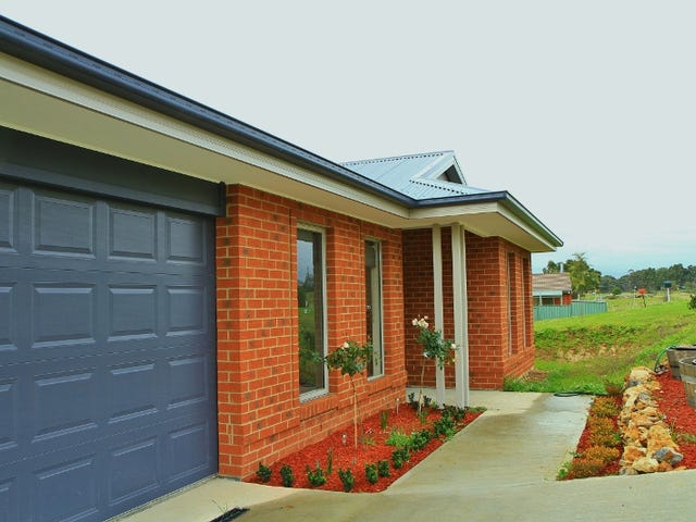 14 Valli Street, Heathcote, Vic 3523