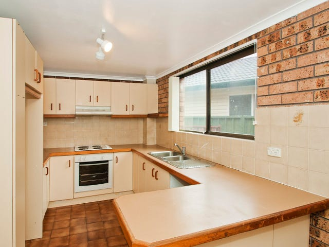 2/10 Farmborough Road, Farmborough Heights, NSW 2526
