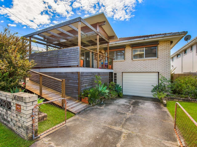 8 Annie Street, Woody Point, Qld 4019