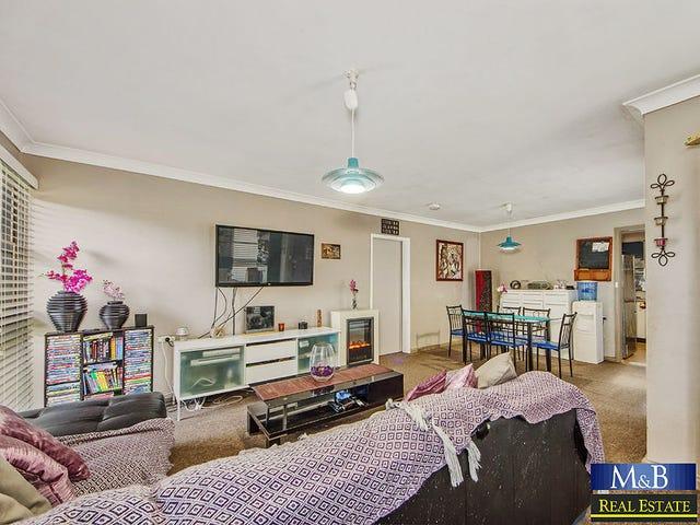 33 Sandakan Crescent, Lethbridge Park, NSW 2770