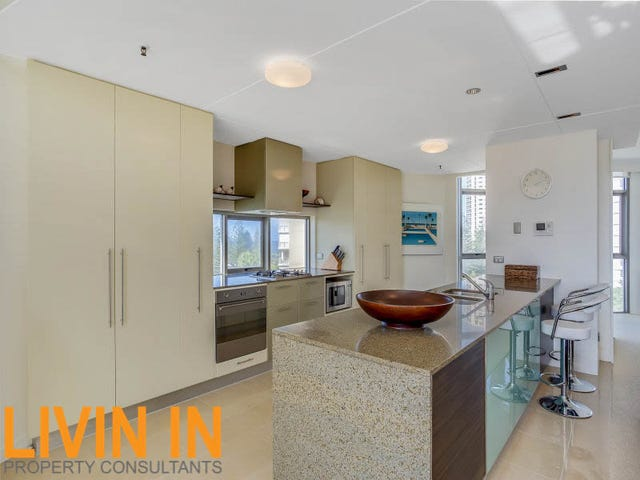 1 LENNIE AVENUE, Main Beach, Qld 4217