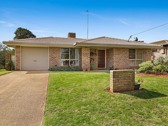 15 Poinciana Street, Newtown, Qld 4350