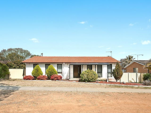 69 Wheeler Crescent, Wanniassa, ACT 2903