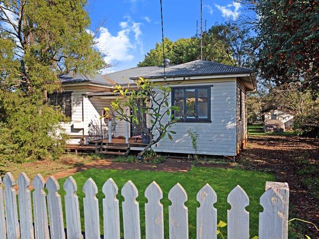 3 Waverley Street, North Toowoomba, Qld 4350