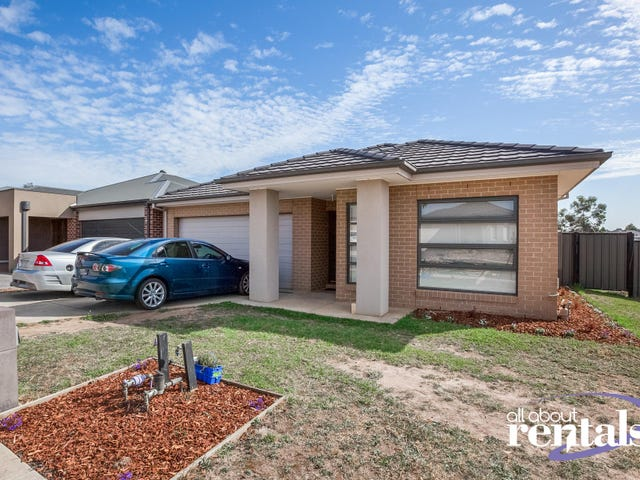 10 Buckskin Drive, Clyde North, Vic 3978