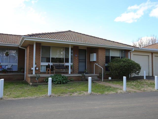 2/96 AUTUMN STREET, Orange, NSW 2800