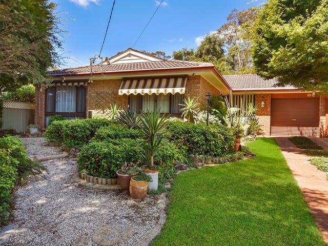 11 St Andrews Avenue, Blackheath, NSW 2785
