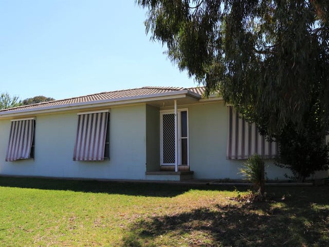 8 Jimmy Noonan Close, Young, NSW 2594