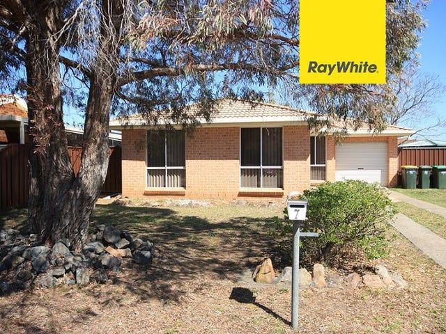 7 Reynaldo Place, Rosemeadow, NSW 2560