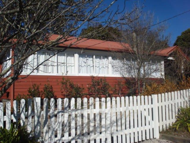 1 Irvine Ave, Blackheath, NSW 2785