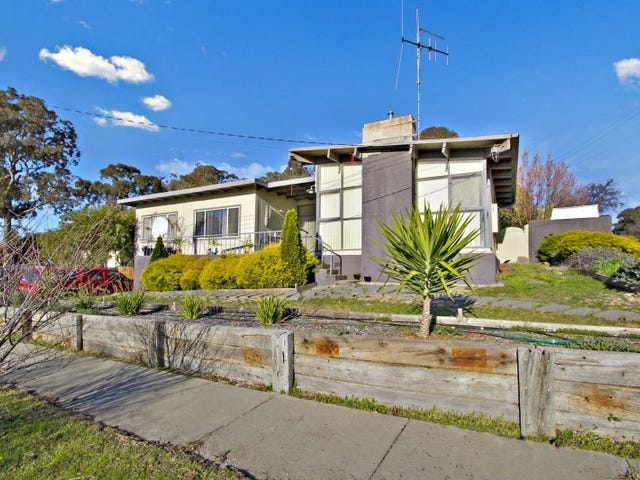 22 Leigh Avenue, Kennington, Vic 3550