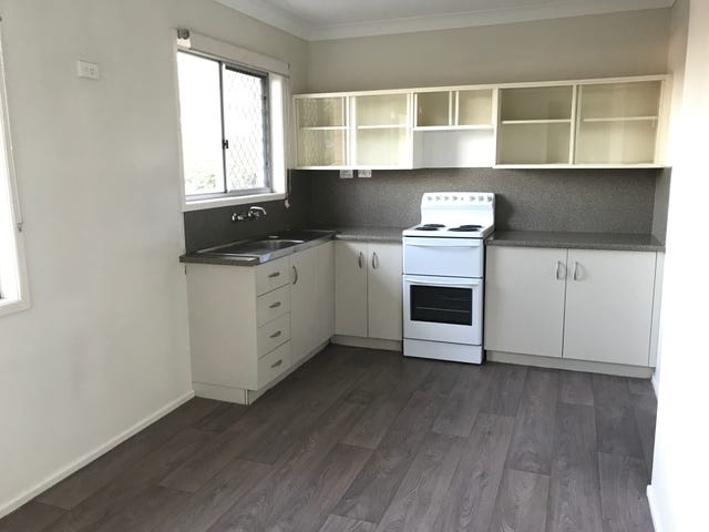 2/115a Canning Street, Allenstown, Qld 4700