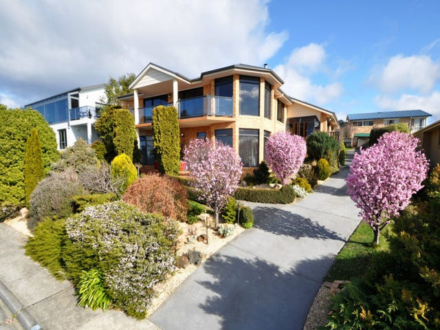 39 Tahune Crescent, Blackmans Bay, Tas 7052