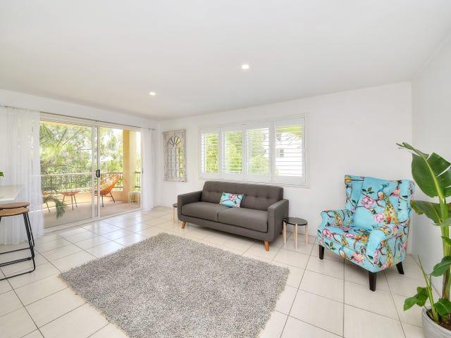 8/21 Chairlift Avenue, Mermaid Beach, Qld 4218