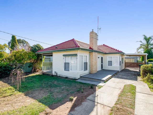 12 Derna Court, Golden Square, Vic 3555